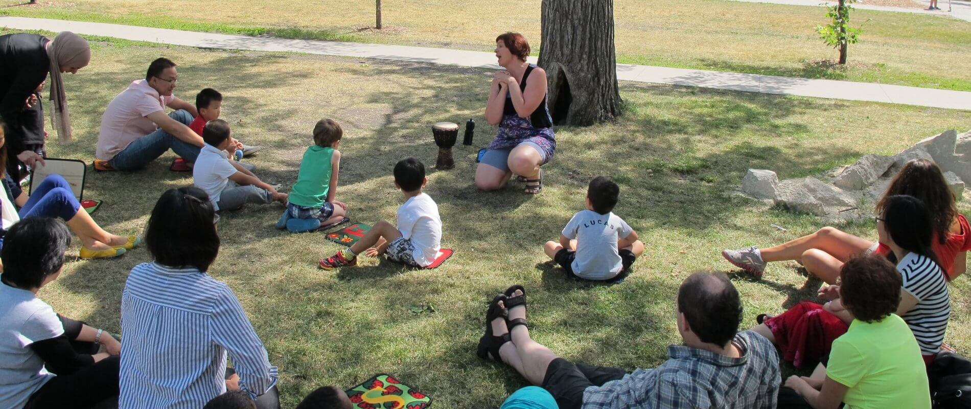 An outdoor family activity with Mosaic learners and staff.